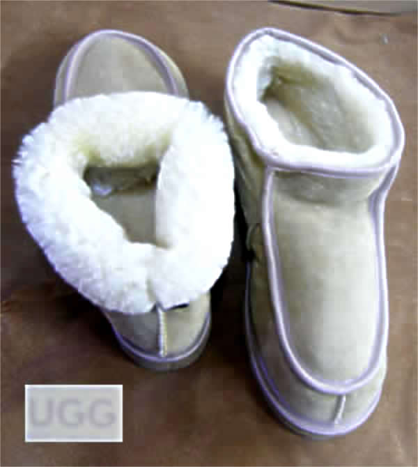 Short Alpine sheepskin UGG boots. Popular Short Alpine sheepskin UGG boots, with tongue front