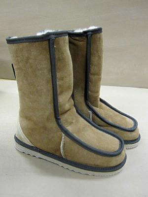 Popular calf length medium Sheepskin UGG Boot, with tongue front.